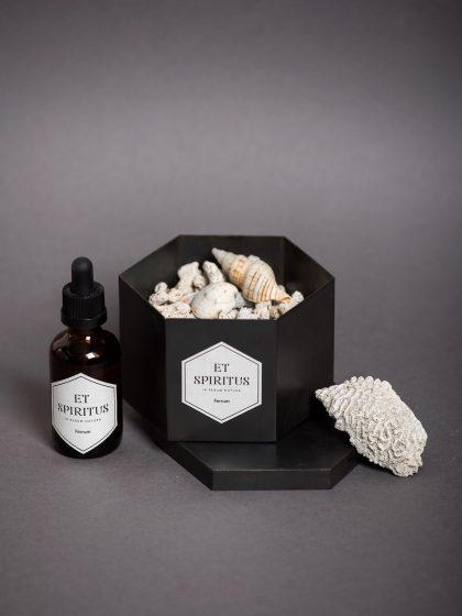 Стальной черный гексагон с кораллами аромат FERRUM